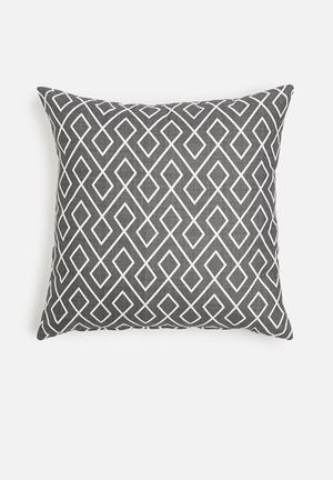 Grey Gardens Link Cushion Cover  Cotton Polyester Blend