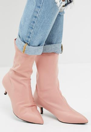 Dailyfriday Tanya Boots Blush