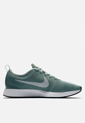 Nike Dualtone Racer Trainers Clay Green / Light Pumice - White / Black