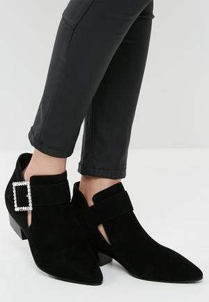 5c1e71f56631 Block Heel for Women