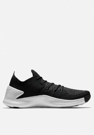 Nike Free Trainer Flyknit 3 Black / White. LOW STOCK