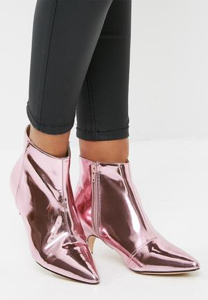 Public Desire Atomic Pointed Toe Kitten Boot Pink Mirror