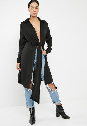 Missguided Satin Twist Front Longline Shirt Black