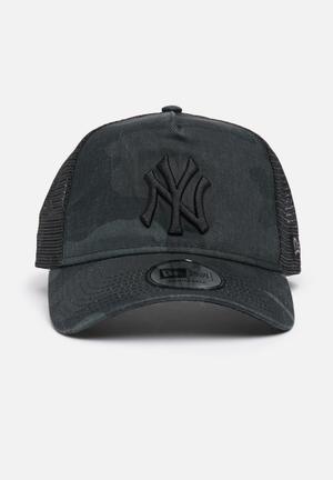 New Era Trucker NY Yankees Headwear Black & Grey