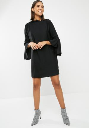 Dailyfriday Bell Sleeve Shift Dress Formal Black