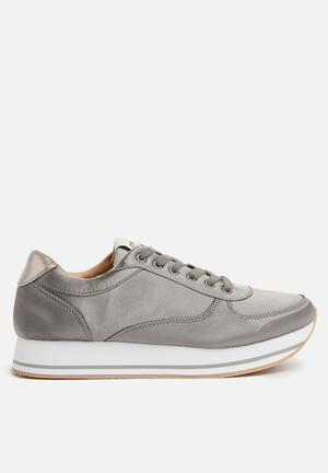 ONLY Smilla Satin Sneaker Pumps & Flats Grey