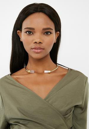 Matter Of Fakt Crystal Duo Choker Jewellery Gold & Pink