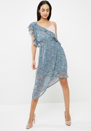 Chiffon floral frill sleeve aysymetric midi dress - blue