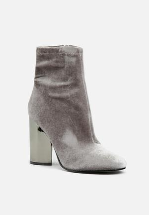 ALDO Cassydie Boots Grey