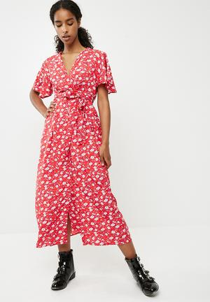 Molly floral wrap dress - red