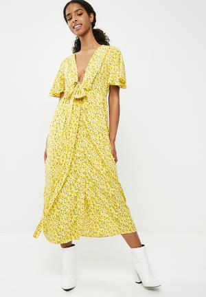 Molly floral wrap dress - yellow