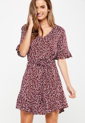Cotton On Woven Matina 3/4 Sleeve Dress Casual Burgundy