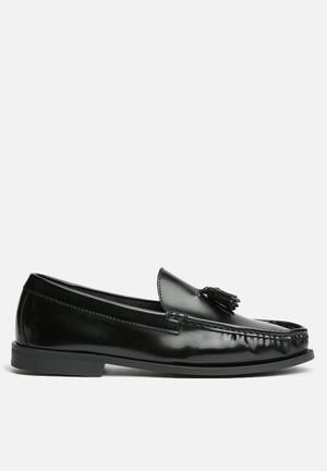 Anton Fabi Winston Tassle Loafer - Black Black