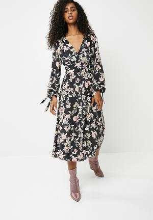 Dailyfriday Sleeve Tie Midi Dress - Multi Casual Black, Pink, White & Beige