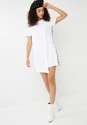 Converse Star Chevron Short Sleeve Track Dress - White Casual White & Black