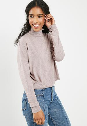 Dailyfriday Slouchy Turtleneck Top - Pink T-Shirts, Vests & Camis Pink