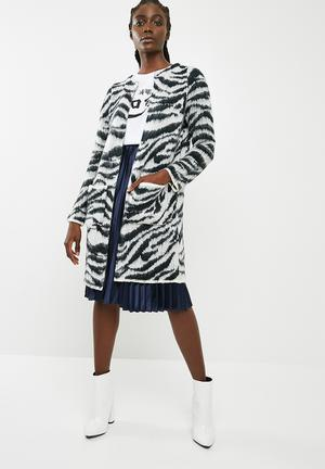 Vero Moda Zanzana Longsleeve Open Coatigan - Black & White Knitwear Black & White