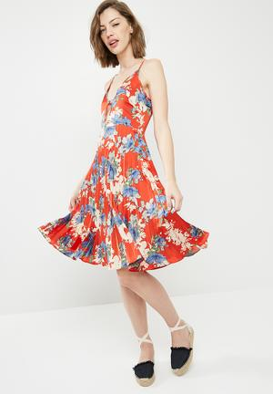 Satin strappy floral pleated midi dress - multi