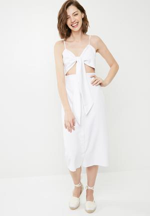 Tie front button down strappy midi dress - white