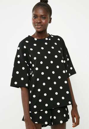 Spot boxy tee - black & white