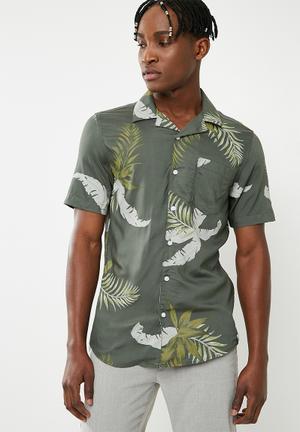 Resort short sleeve shirt - green