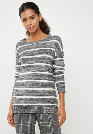 cdabedd9592 Archy pullover - black   white
