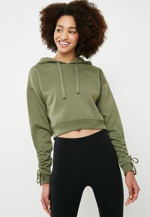 f298e826ed548f Cropped ruched sleeve hoodie - green