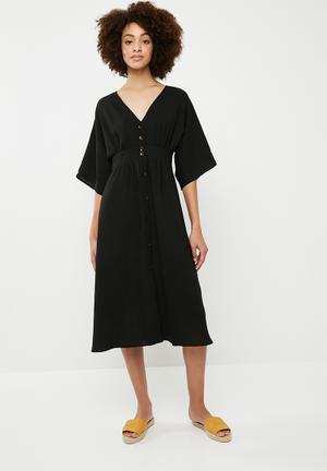 Button through kimono midi dress - black