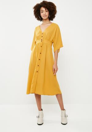 Button through kimono midi dress - yellow