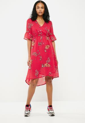 Charlie floral wrap tie midi dress - red