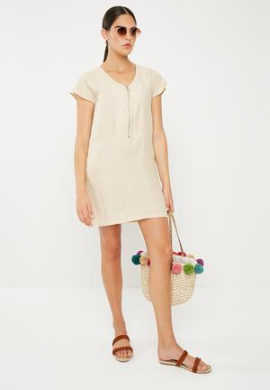 Sheath dress with zip detail - cream