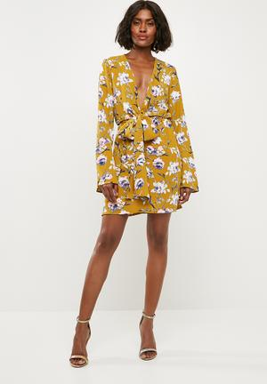Satin plunge tie front shift dress - yellow