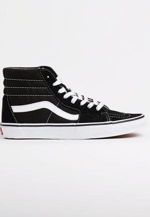 Sk8-Hi Sneakers Black and White