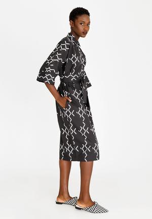 a0d0eae7606 Diamond Tulip Dress Black and White
