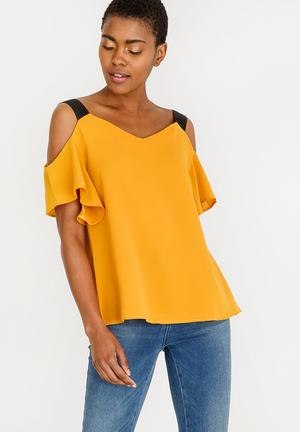 0af41ae4063 Tops Online | Women | From R199 | Superbalist