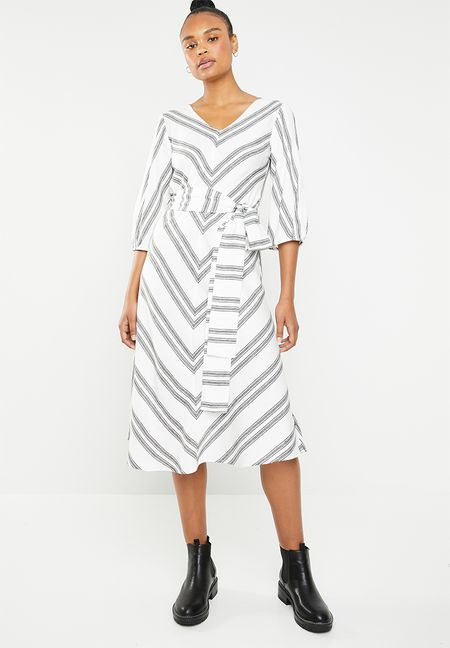 28923b52191a Dresses Online