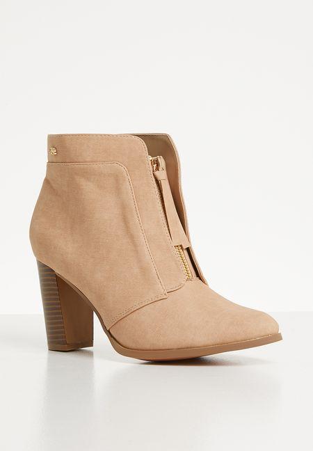 e3683482dbf4 Boots Online