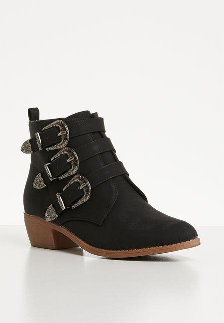 53b0d3af180daa Shoes Online