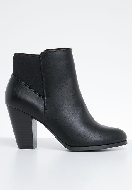 c1b53a7e263 Boots Online