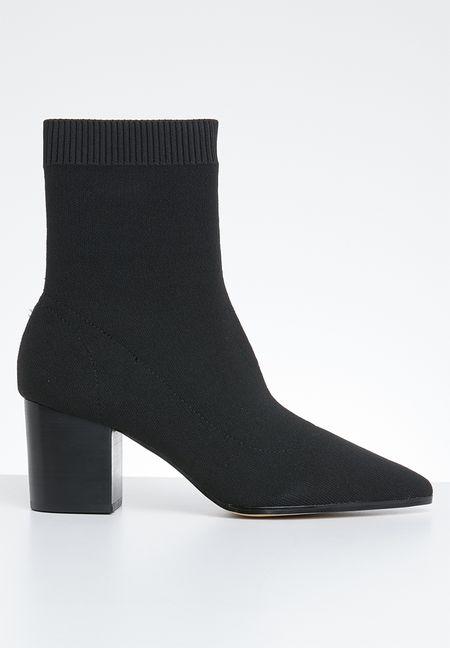13a912aa31b0 Boots Online