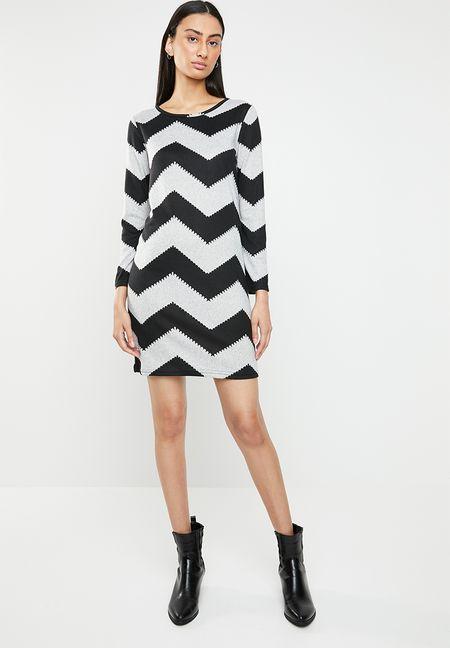 5af0c5cc8a Dresses Online