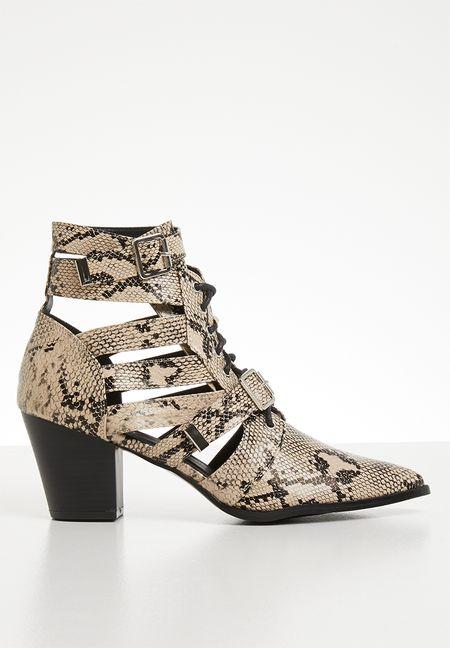 e09f5ef58c7c Shoes Online