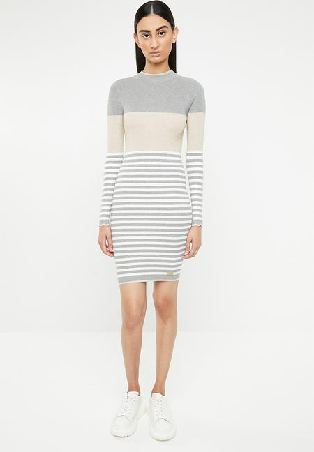 077aea9757f5 Dresses Online