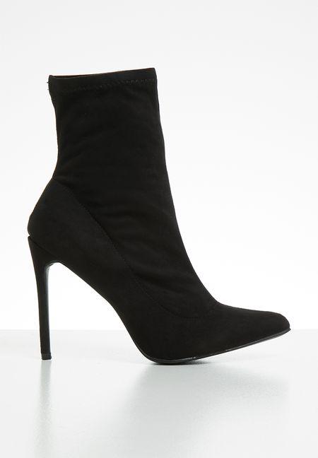 84512b225ca5 Boots Online