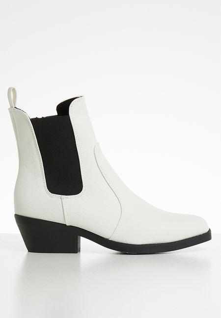 b205be8d6cc00 Ladies Boots | Shop Boots For Women Online | SUPERBALIST