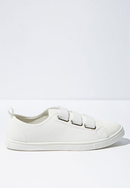 3411db1bf16 Shoes Online   Women   Shop Heels, Boots & Sneakers   Superbalist