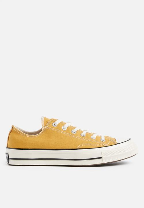 96b729098012 Chuck 70 - OX - sunflower - canvas Converse Sneakers