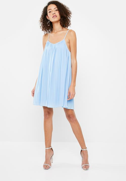 694628a0506a Strappy pleated swing dress - blue Missguided Casual