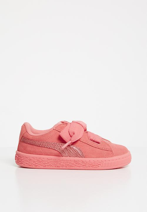 79768d1f9d1 Suede Heart Sneaker Infants - shell pink PUMA Shoes
