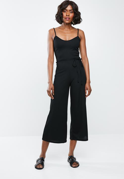 63ee79aa820 Rib culotte jumpsuit - black Missguided Jumpsuits   Playsuits ...